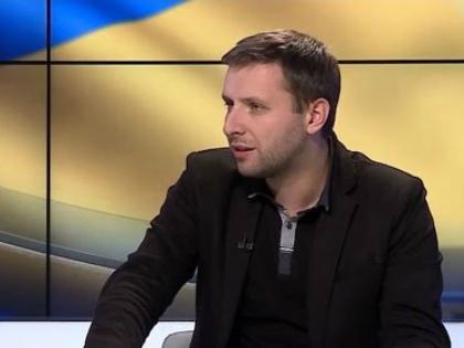 Скандал спровоцировало высказывание депутата Верховной рады Украины Владимира Парасюка, который назвал убийцу российского посла «героем» // Стоп-кадр YouTube