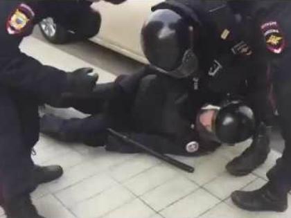 33-летнему Евгению Гаврилову в позапрошлое воскресенье «не поздоровилось» // Стоп-кадр YouTube