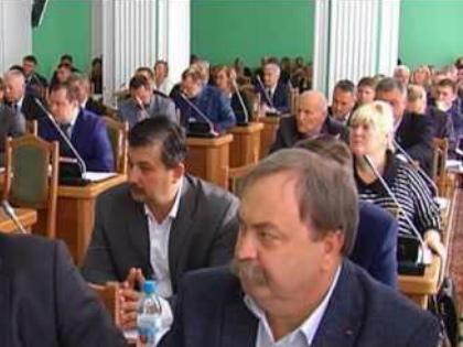 Горсовет Омска сообщает, что выборы могут быть признаны несостоявшимися // Стоп-кадр YouTube
