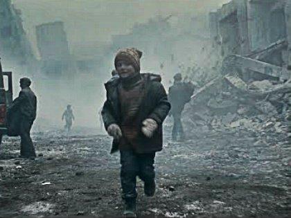 Повествуя о том, чего натерпелась Армения в злосчастном 1988-м, Андреасян как будто забывает в нужный момент остановиться и оглянуться на снятое // Стоп-кадр YouTube