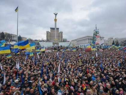 «Тем временем, на излете 2016-го года, на Украине назревает уже третий Майдан...» // Стоп-кадр YouTube