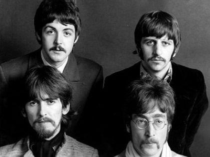Аукцион распродаст 300 вещей, связанных с The Beatles // Global look Press
