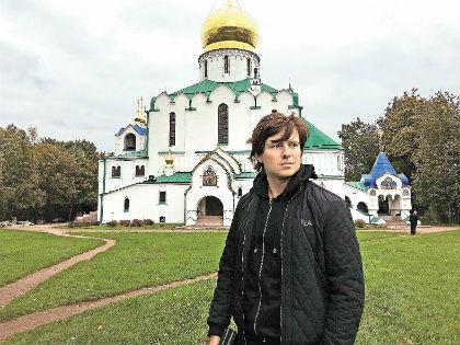 Артист обратился к богу, устав от скандалов // Лиза Пушкина