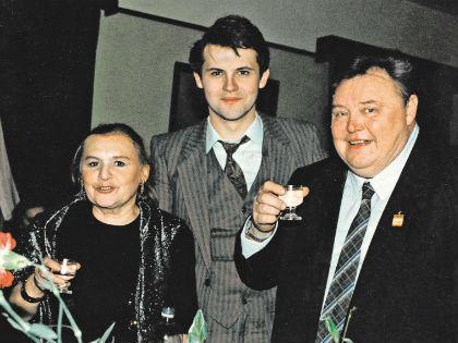 Вячеслав Невинный с сыном и женой // архив семьи Невинных