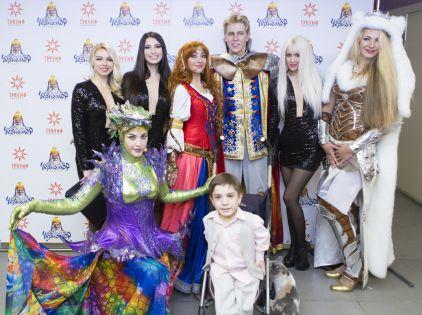 Премьерный показ посетило большое число российских звезд // Сергей Федотов