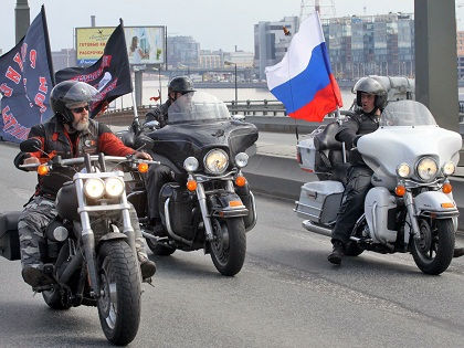 «Ночные волки» планируют доехать до Берлина через Белоруссию, Польшу, Чехию, Словакию и Австрию // Russian Look