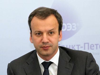 Вице-премьер правительства России Аркадий Дворкович объявил о продлении санкций против ЕС //  Russian Look