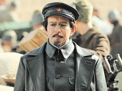 Хабенский сыграл Троцкого в эмиграции // «Первый канал»