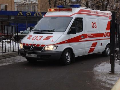 Раненый мужчина, который находился в машине, госпитализирован //  Антон Кавашкин / Russian Look