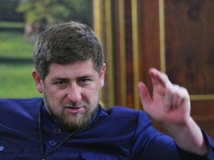 По мнению Кадырова, многоженство избавляет мужчину от необходимости лгать жене и скрывать любовниц // Russian Look