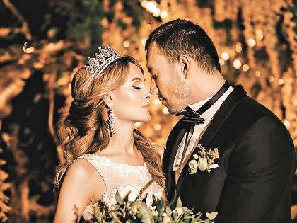 Терехин облачился в костюм жениха для Ани Калашниковой // Instagram