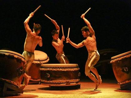 Шоу японских барабанов KODO // архив