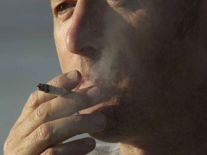 Курение лишь усиливает стресс // Earl S. Cryer/Global Look