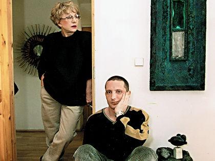 Единственный сын актрисы Владимир стал скульптором, его работы выставляются не только в России, но и в США // Сергей Петрухин / РИА «Новости»