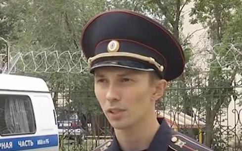 Полиция сообщает, что вооруженные неизвестные в масках ворвались в здание лечебницы «Нилова Пустынь» в Бурятии // Стопкадр YouTube