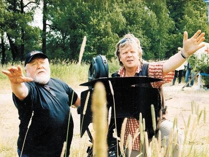 Сергей Астахов (справа) видит перспективу не только через объектив кинокамеры // личный архив
