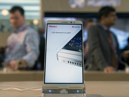В топ-5 лучших китайских смартфонов вошли Huawei, Alcatel, Xiaomi, Meizu и ASUS // Lino De Vallier / Global Look Press