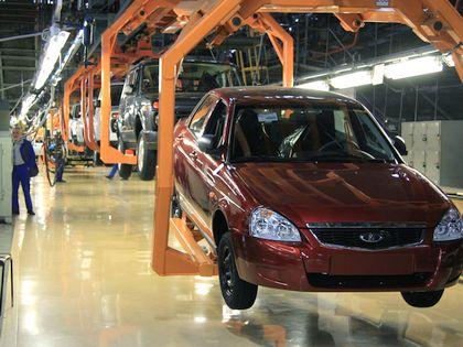 На АвтоВАЗе продолжат производить «приору», пока на нее есть спрос // Global Look Press