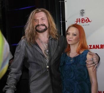 На прошлой неделе Джигурда заявил, что разводится со своей женой фигуристкой Марией Анисиной // Russian Look