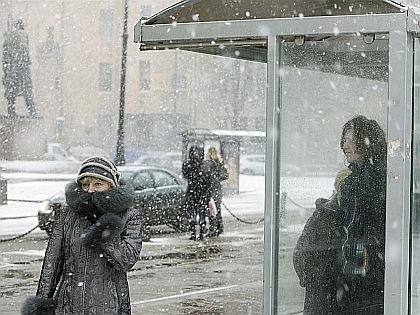 В конце относительно теплого марта на Россию обрушился шквалистый ветер и мокрый снег // Семен Лиходеев / Russian Look
