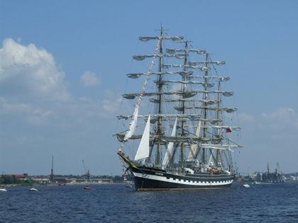 «Крузенштерн» прибыл в Рейкьявик 9 июня после плавания по Средиземному морю и Атлантическому океану //  Victor Lisitsin / Russian Look