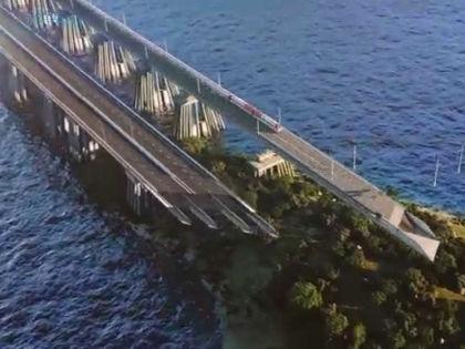 Мост в Крым // Кадр YouTube