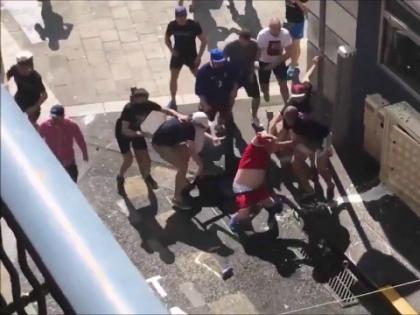 Драка российских болельщиков с англичанами на Евро-2016 // Стоп-кадр YouTube