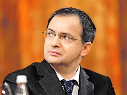 Дмитрий Быков: Но что зависит от министра? // Александр Алешкин
