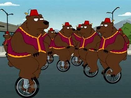 Медведи на улицах российских городов // Кадр из сериала Family guy