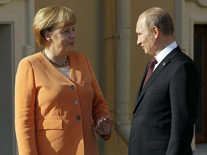 Президент РФ Владимир Путин и канцлер ФРГ Ангела Меркель встретились в Кремле 10 мая // Russian Look