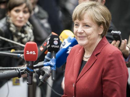 Представитель НАТО заявил о том, что Москва хочет сместить Ангелу Меркель с поста канцлера ФРГ // Виктор Дабковски / Global Look Press