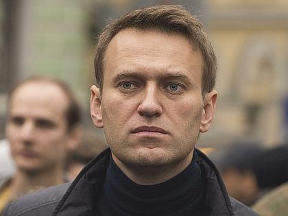 Навальный, браслет и страх // Russian Look