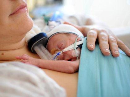 Сильно недоношенные дети во взрослой жизни страдают от слабых легких // Global Look Press