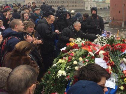 Рассматривается и возможность установки памятного знака на месте гибели Немцова // Иван Генералов / «Собеседник»