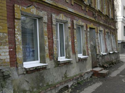 Жителей аварийных домов начнут перебрасывать чуть ли не в соседний регион? // Николай Титов / Global Look Press