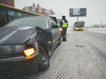 Водитель Honda CRV и пассажир получили травмы //  Андрей Пороховников / Russian Look
