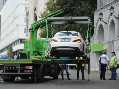 Депутатам не разрешили бесплатно парковаться у Госдумы // Антон Белицкий / Global Look Press