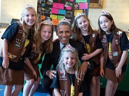 Барак Обама нарушил собственное правило не носить ничего на голове, пока он руководит государством // Instagram