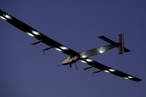 Размах крыльев Solar Impulse-2 — 72 метра, вес — 2,3 тонны // Global Look Press