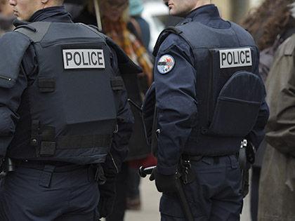 По сообщению местных СМИ, на руках у преступника целый арсенал // Global Look Press
