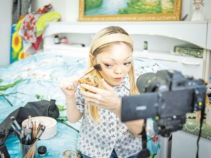 Так Лилия записывает сюжеты на видео // Леся Полякова