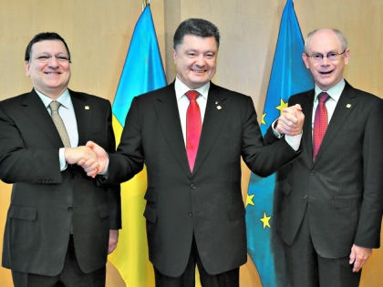 Порошенко при подписании соглашения с ЕС // ИТАР-ТАСС