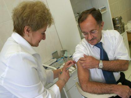 Коллективный иммунитет: привившись, мы защищаем не только себя, но и близких  // Global Look Press