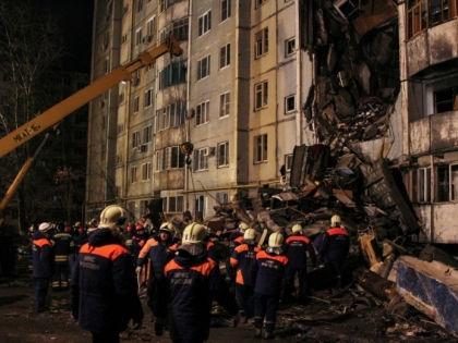 Разбор завалов после взрыва бытового газа в Волгограде // ГУ МЧС России по Волгоградской области