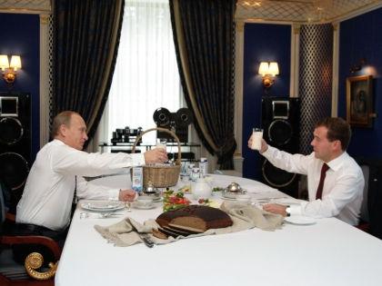 Владимир Путин и Дмитрий Медведев // РИА «Новости»