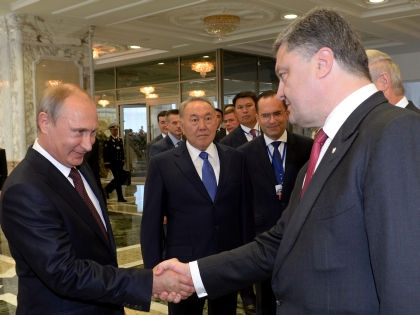 Владимир Путин и Петр Порошенко // AFP