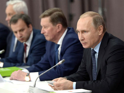 Владимир Путин провел совещание с кабмином поздно вечером // Алексей Никольский / Global Look Press