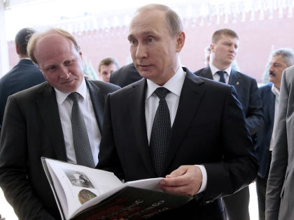 Наместники Путина, как это часто бывает, бегут впереди паровоза // Михаил Метцель / ТАСС
