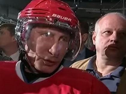 Путин выходит на лед в рамках гала-матча НХЛ не в первый раз // YouTube