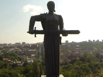 """Памятник """"Мать Армения"""" // Кадр Youtube"""